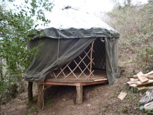 yurt retreat sladebank woods stroud